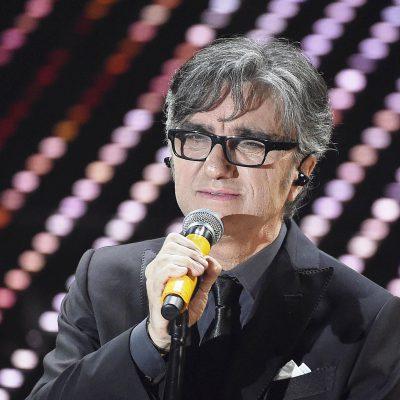 Gaetano Curreri si accascia mentre canta: è in gravi condizioni