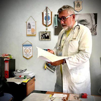 """Morto suicida De Donno, """"padre"""" della terapia del plasma iperimmune contro il Covid"""