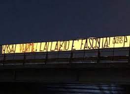 """Lazio, minacce dei tifosi a Hysaj per video in cui canta """"Bella Ciao"""""""