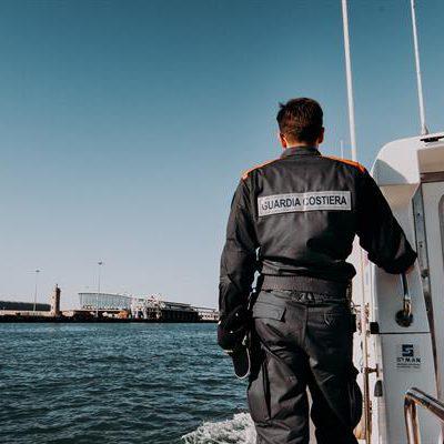 Sversavano in mare tonnellate di scarti di allevamenti di cozze, 14 arresti sul Gargano per disastro ambientale