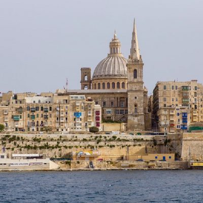 """Studenti in quarantena a Malta, la denuncia dei genitori: """"Senza cibo e con poca acqua"""""""