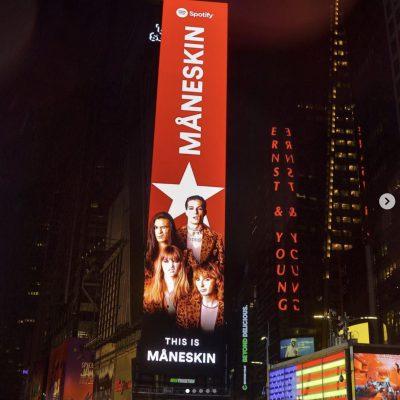 I Maneskin arrivano a Time Square