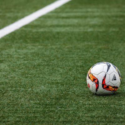 Accuse di pedofilia in Premier League, arrestato un calciatore
