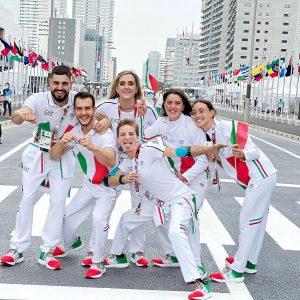 Tokyo, al via le Paralimpiadi: apre la sfilata la bandiera afghana