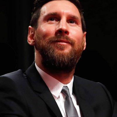 """Messi, addio al Barcellona tra le lacrime: """"Non sono pronto"""""""
