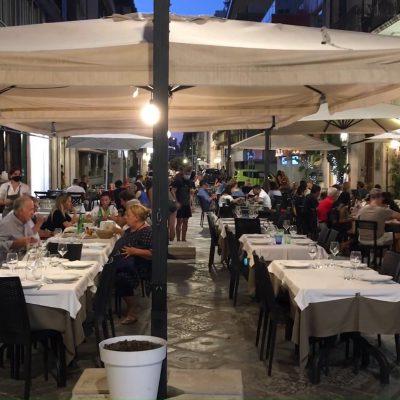 Green pass obbligatorio nei ristoranti al chiuso: il primo sabato sera a Bari