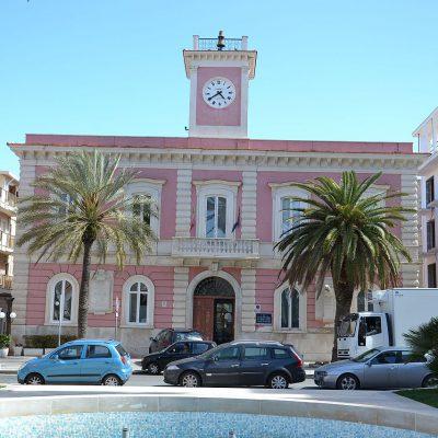 Margherita di Savoia, il sindaco vieta la vendita dei test anti-Covid in farmacia