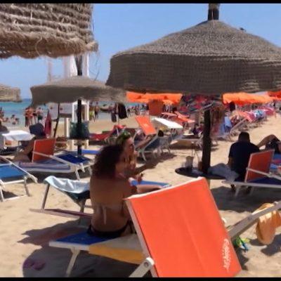 Salento, in spiaggia c'è il tutto esaurito nella prima domenica di agosto