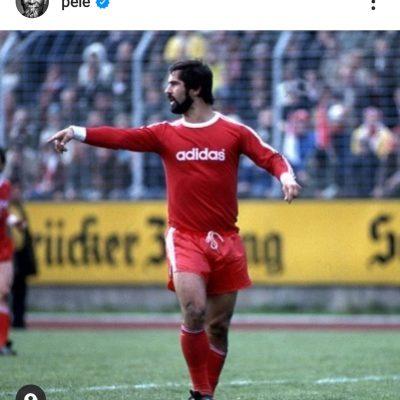 "Gerd Müller, il saluto di Pelè: ""Una stretta al cuore per una stella così brillante"""