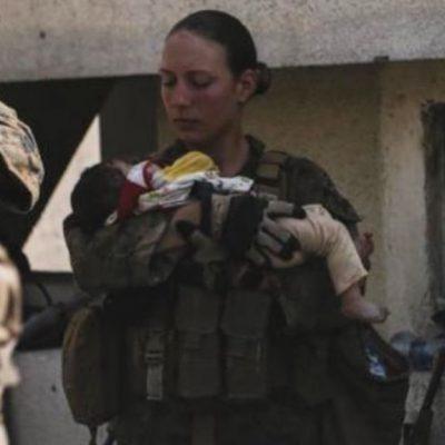 È morta nell'attentato a Kabul la soldatessa americana che salvava i bambini afghani
