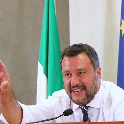 """Salvini-Draghi, incontro di un'ora a Palazzo Chigi. Il leader del Carroccio: """"Il premier guidi la pacificazione nazionale"""""""