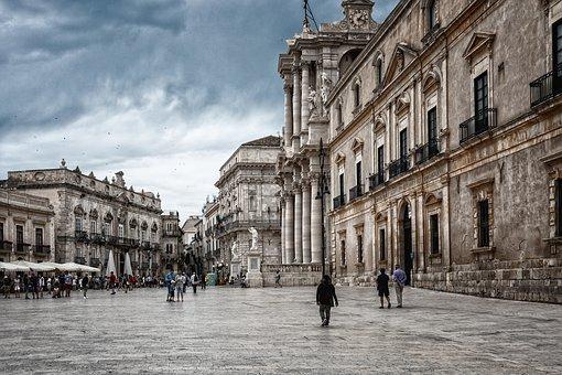 Sicilia rischio zona gialla, domani l'ufficialità