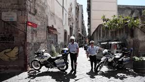 Giovinazzo, vandali circondano il vigile e tentano di rubargli la moto. Il sindaco Depalma: Qui non c'è posto per voi