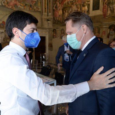 """Al via a Roma il G20 della Salute. Speranza: """"Garantire il vaccino anche ai Paesi più fragili"""""""