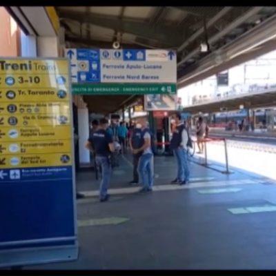 Il grande flop della protesta No-Vax nelle stazioni italiane: da Bolzano a Bari al massimo una decina di persone presenti