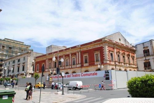 Dopo 43 anni riapre il teatro comunale di Putignano, nel segno di Fellini e Rota