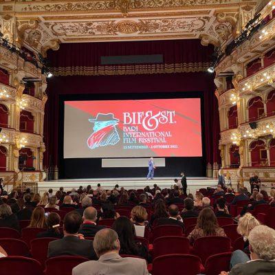Cinema, protagonisti della prima serata del Bif&st Castellitto e De Angelis. Premiato l'attore Tony Servillo