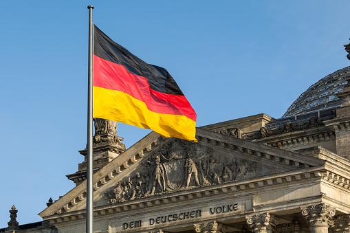 Elezioni Germania, testa a testa serrato tra Cdu-Spd