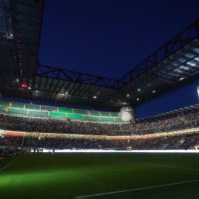 Il Milan ascolta i tifosi: prezzi Champions dimezzati