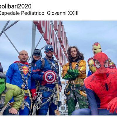 """Gli Avengers regalano sorrisi ai pazienti ricoverati nell'ospedale pediatrico di Bari: """"I veri supereroi sono loro"""""""
