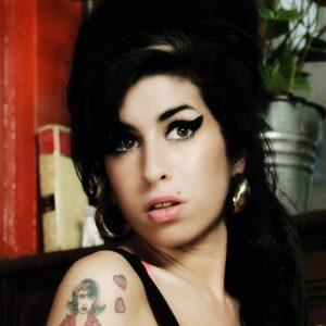 Gli abiti di Amy Winehouse all'asta