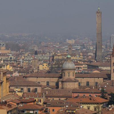 Bologna nomina una sindaca della notte e replica il modello di Amsterdam e Londra