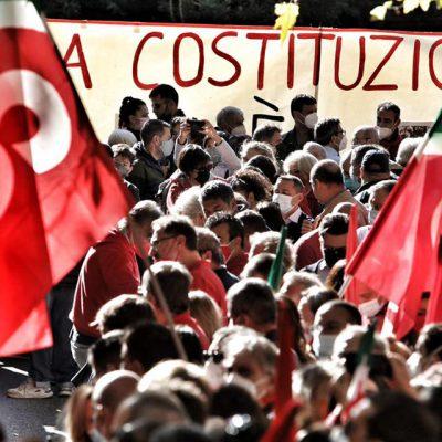 """Assalto sede Cgil Roma, 12 arresti e 600 feriti. Landini, Cgil: """"Offesa alla Costituzione"""""""