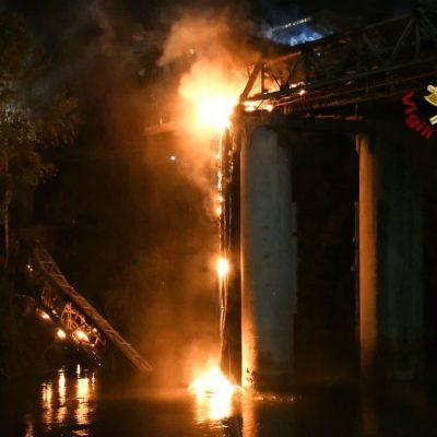 """Incendio del """"Ponte di Ferro"""" a Roma, si indaga sulle cause. Mesi di attesa per il ripristino"""