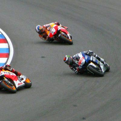 MotoGp, a Misano pole position per Bagnaia. Ducati padrona della prima fila
