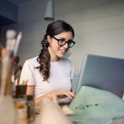 Pnrr: firmato decreto a sostegno dell'imprenditoria femminile, 40 milioni per nuove attività e progetti