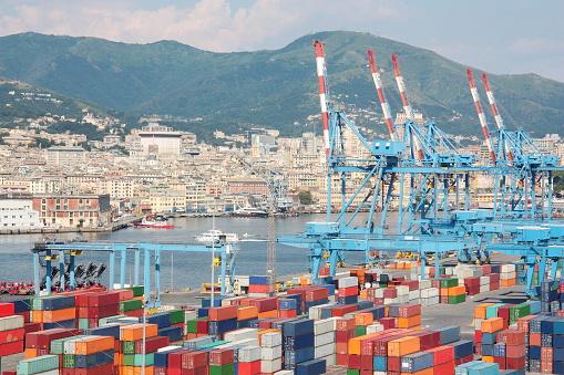 Green pass, no dei portuali di Trieste all'obbligo dal 15 ottobre. Il sindacato minaccia blocco delle attività